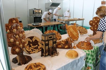 МАСТЕР-КЛАСС «РЕМЕСЛЕННЫЙ АВТОРСКИЙ ХЛЕБ И ПРАЗДНИЧНАЯ ВЫПЕЧКА» для профессиональных пекарей и технологов